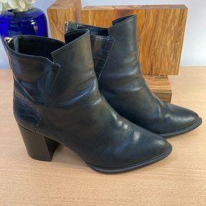 Zara Black Leather/snake pattern booties Size 8-38